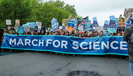 Chemists march for science.